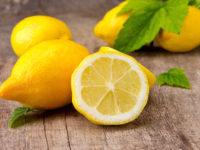 Чем полезна вода с лимоном утром натощак и как ее правильно приготовить