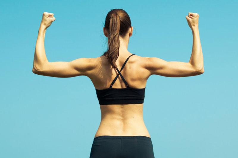 Упражнения для рук для женщин в домашних