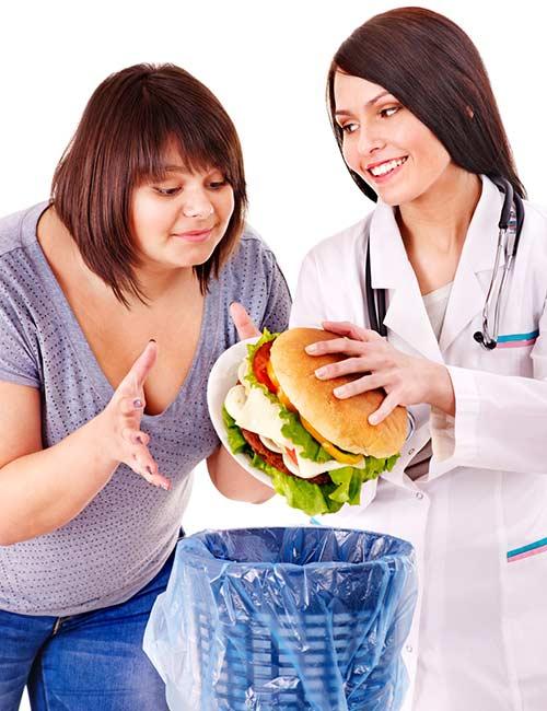 2 девушки и бургер