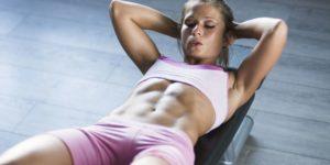 Лучшие упражнения на пресс для девушек: программы для тренировки мышц живота дома